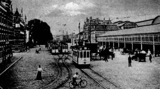 Station Hollandse Spoor met tramwagens van de serie 21-150